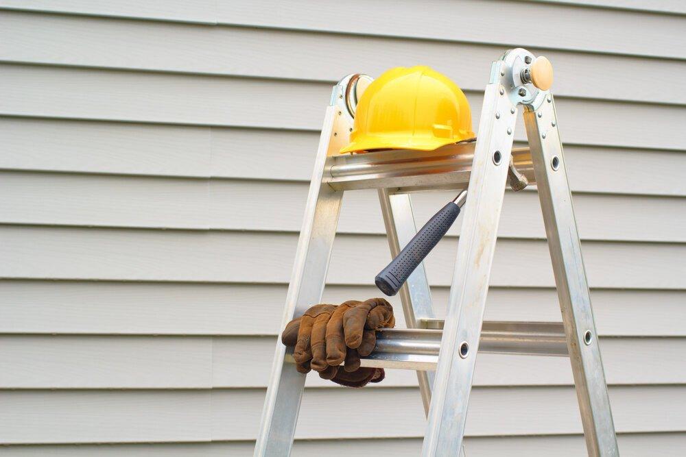 Aluminum Siding Repair: 5 Reasons to Repair Siding